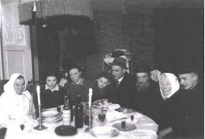 rokiskis jewish singles Conference on jewish genealogy renaissance jerusalem hotel, israel, july 4-9, 2004 hosted by the israel genealogical society under the auspices of the mayor of jerusalem.